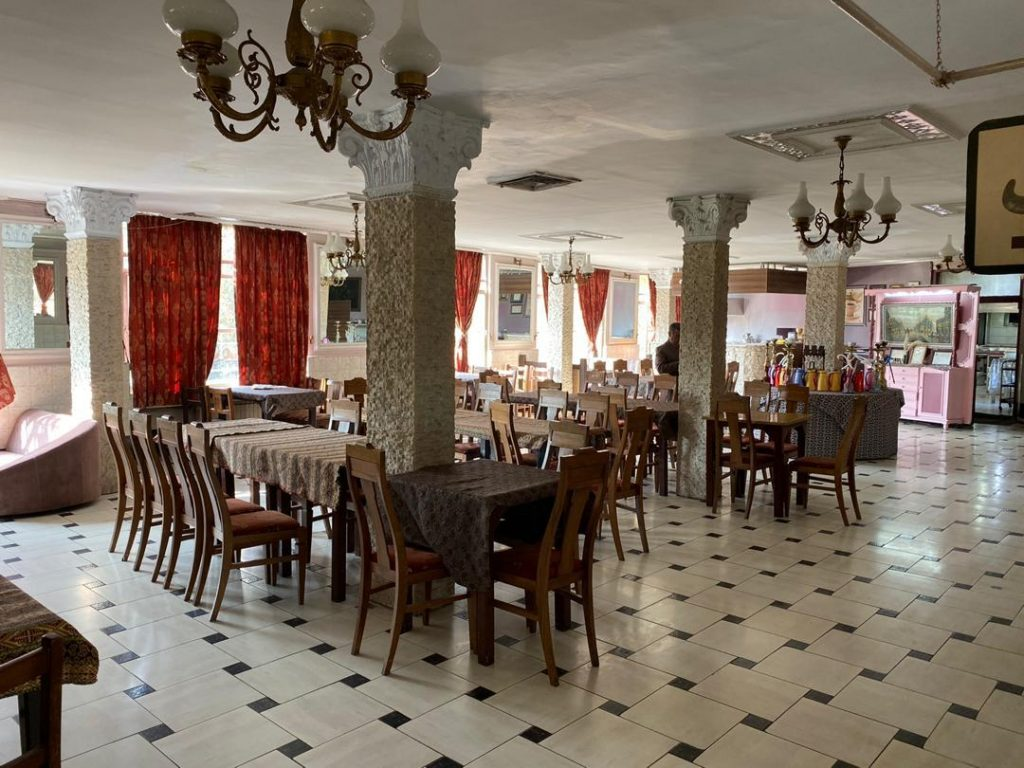 رستوران و سفره خانه شادمان
