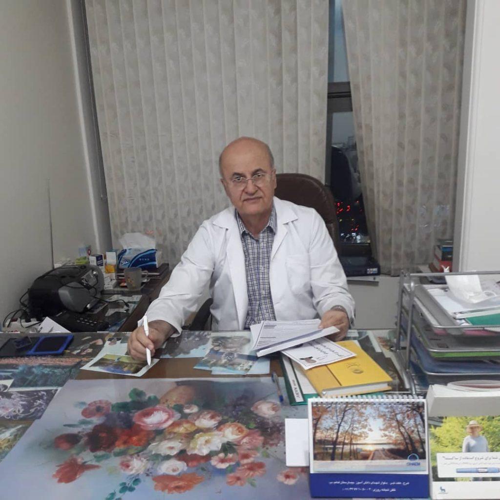 دکتر ایرج مظاهری،متخصص بیماریهای داخلی،گوارش،غدد